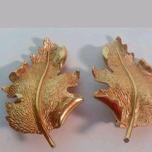 PM 320 Hope Chest Glamorous gold tone earrings